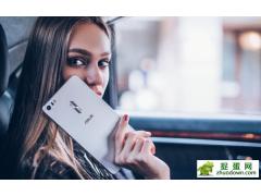 华硕ZenFone3傲视的6.8英寸 玩的就是大